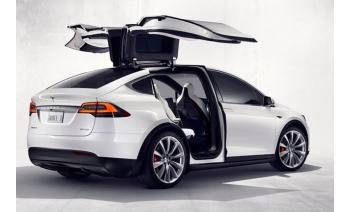 Астронавты и Кроссоверы Tesla