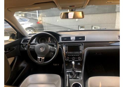 Volkswagen Passat 2015: фото - Автопарк «+380Auto»